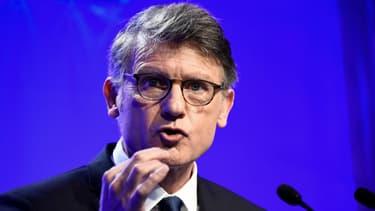 Le candidat à la primaire de la gauche Vincent Peillon présente son programme à Paris le 3 janvier 2017.