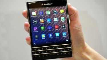 BlackBerry et son téléphone carré
