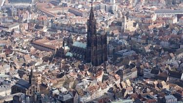 Strasbourg va tester à partir du 2 novembre un régime d'amendes minorées applicables aux cyclistes, en contrepartie d'une répression accrue à l'égard des contrevenants. /Photo d'archives/REUTERS/Wolfgang Rattay