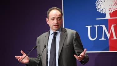 Une scission au sein de l'UMP ferait perdre six millions d'euros de subventions au parti.