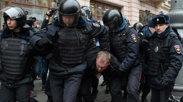 Des dizaines de manifestants d'opposition arrêtés à Moscou le 2 avril 2017