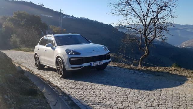 Plus de 15 ans après sa naissance, le Porsche Cayenne entre dans sa troisième génération.