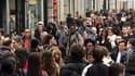 Selon une étude de l'Insee, les revenus moyens des 1% de Français les plus aisés ont augmenté plus rapidement que ceux de l'ensemble de la population entre 2004 et 2007, entraînant une augmentation des inégalités par le haut. /Photo d'archives/REUTERS