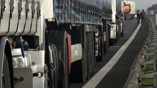 Les routiers comptent bloquer une partie des autoroutes de France.