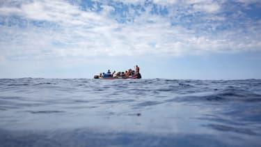 Une embarcation en mer Méditerranée.
