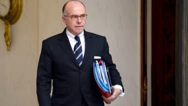Bernard Cazeneuve annonce que l'assurance-maladie a dépensé 1 milliard d'euros de moins que prévu