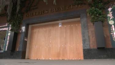 Samedi, la plupart des grands magasins étaient fermés.