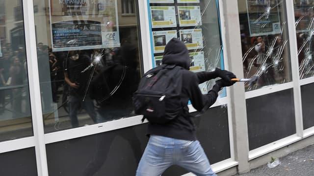 Des dégradations ont été commises à Rennes en marge des manifestations d'opposants à la loi travail en mai-juin 2016.