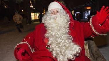 Le Père Noël quittant Rovaniemi, son village en Laponie.