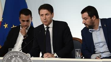 De gauche à droite, les hommes à la tête du gouvernement italien: Luigi Di Maio (5 étoiles), Giuseppe Conte (Premier ministre) et Matteo Salvini (Ligue).