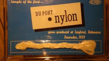 E.I. Du Pont de Nemours et Compagnie n'est pas née en Seine-et-Marne mais dans le Delaware aux Etats-Unis.