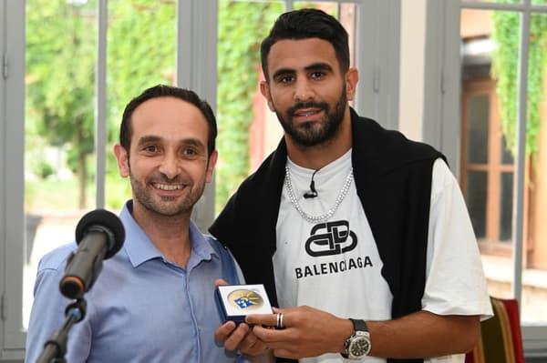 Patrick Haddad, maire de Sarcelles, avec Riyad Mahrez en juillet 2019