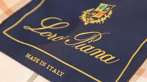 La marque italienne est le spécialiste des cachemires les plus raffinés, de la laine de vigogne et de mérinos.