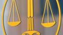 L'ancien patron de la Société générale Daniel Bouton a réfuté jeudi la théorie d'un complot avancée par l'ex-trader Jérôme Kerviel jugé en appel pour la perte record de 4,9 milliards d'euros en 2008. /Photo d'archives/REUTERS/Eric Gaillard