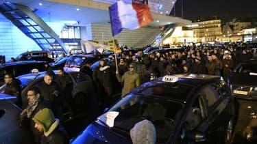 Les taxis ont reconduit leur mouvement ce jeudi.