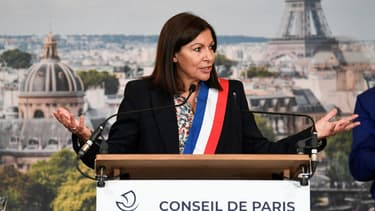 Anne Hidalgo lors de son élection au Conseil de Paris ce vendredi.