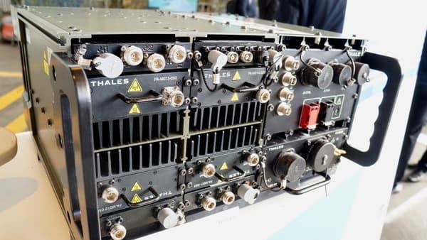 Un brouilleur radio.