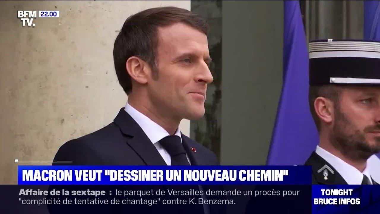 """Dans une interview à la presse quotidienne régionale, Emmanuel Macron promet """"un nouveau chemin"""""""