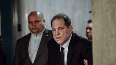 Harvey Weinstein est arrivé à la cour criminelle du tribunal de New York, le 6 janvier 2020.