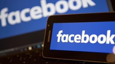 Selon Bloomberg, Mark Zuckerberg envisagerait une déclinaison payante du réseau social, dépourvue de publicité.