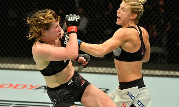 Manon Fiorot (à droite) lors de ses débuts victorieux à l'UFC contre Victoria Leonardo