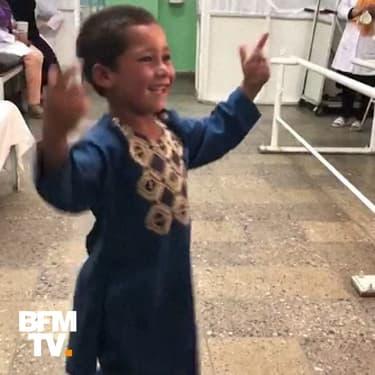 Avec sa danse de la joie, Ahmad, 5 ans et amputé a ému tout le web