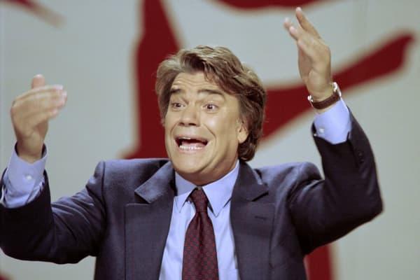 Showman. Pas encore blacklisté par les affaires judiciaires, Bernard Tapie est une figure très populaire lorsqu'il est choisi comme tête de liste MRG. Ici l'ex-ministre à L'Heure de vérité, le 10 octobre 1993.