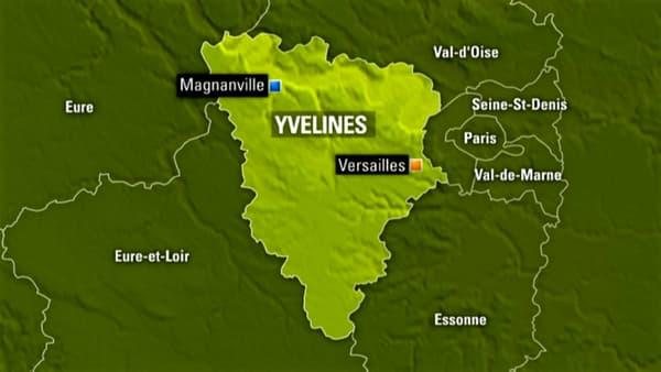 Un commandant de police a été tué à l'arme blanche devant chez lui à Magnanville, dans les Yvelines, a-t-on appris lundi soir.