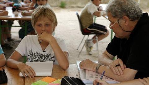 """""""Mon maître d'école"""", le documentaire émouvant d'Emilie Thérond"""