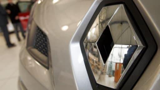 Bercy assure que l'argent récupéré par Renault à la vente de ses parts dans Volvo va servir à investir sur le sol français.