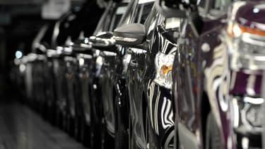 Au total, 1,1 million de voitures particulières neuves ont été mises sur les routes de l'Union européenne le mois dernier.