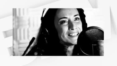 La comédienne Delphine Serina.