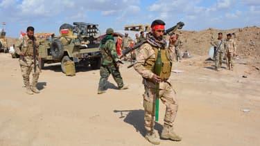 Les forces irakiennes alliées à des milices locales se positionnent dans la province de Diyala, à la frontière avec celle de Salaheddin où se trouve la ville de Tikrit, qu'elles espèrent reprendre aux jihadistes lors d'une vaste offensive. Le 2 mars 2015.