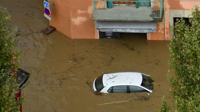 Que faire si votre voiture est inondée, lors des fortes pluies de ce mercredi dans le sud de la France?