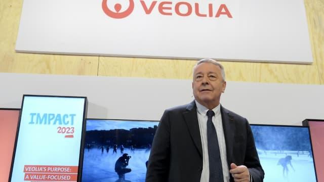Antoine Frérot, le PDG de Veolia, s'engage à ce qu'un rapprochement avec Suez n'entraîne aucune hausse du prix de l'eau payé par le consommateur.