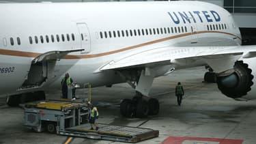 Le PDG d'United Airlines part.