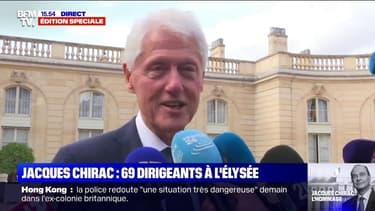 Bill Clinton est venu rendre hommage à Jacques Chirac. C'est le seul représentant des États-Unis a être présent