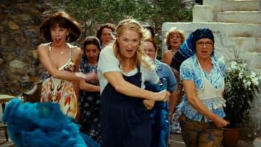 "Christiane Baranski, Meryl Streep et Julie Walters dans ""Mamma Mia"" en 2008."