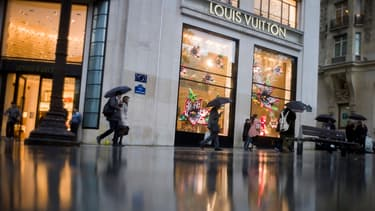Les formations pour travailler dans le luxe se multiplient alors que le secteur est confronté à un fort ralentissement.