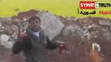 L'homme identifié sur la vidéo serait Khalid al-Hamad, un commandant d'une branche des rebelles syriens