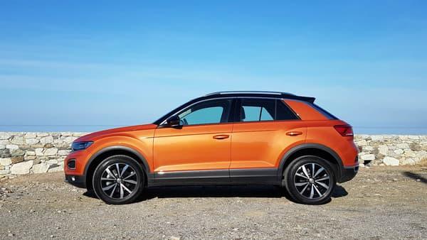 Tout en restant sobre, le style du SUV compact coche les cases du SUV compact avec des passages de roue marqués notamment.