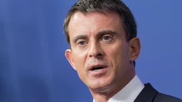 """Après les violences à Moirans, le Premier ministre a défendu une réponse """"ferme"""" pour le """"rétablissement de l'ordre républicain""""."""