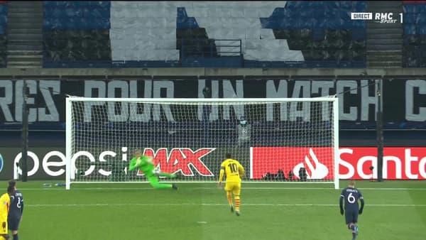 Le penalty sauvé par Navas.