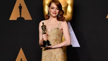 """Emma Stone remporte l'Oscar de la Meilleure actrice pour """"La La Land"""""""