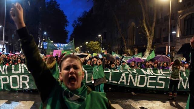 Les militants favorables à l'avortement en Argentine