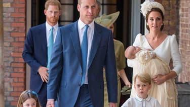 Le prince William et Kate Middleton, arrivant à l'Abbaye de Canterbury pour le baptême du prince Louis, le 9 juillet 2018.