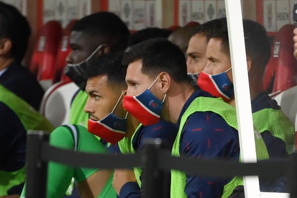 Lionel Messi sur le banc parisien à Reims