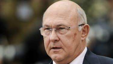 Michel Sapin, le ministre du Travail, a redit son opposition à une baisse des petites retraites, jeudi 14 mars.