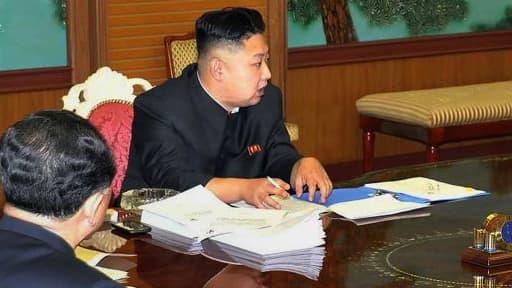 Kim Jong-Un et son désormais fameux téléphone