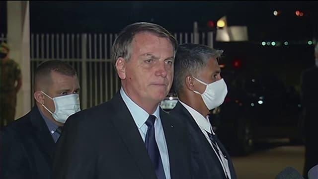 Jair Bolsonaro a annoncé vendredi qu'il songeait à retirer le Brésil de l'Organisation mondiale de la santé (OMS) en raison, selon lui, de son parti pris idéologique dans la crise sanitaire du coronavirus. Le Brésil est l'un des pays les plus durement touchés au monde dans la pandémie de virus. Plus de 646.000 infections ont été enregistrées et plus de 35 000 personnes sont mortes du virus à ce jour.